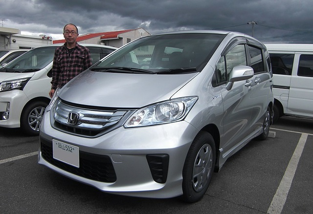HONDA FREED-HYBRID