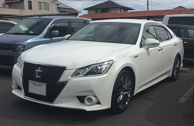 TOYOTA CROWN-HYBRID